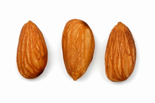 Side By Side「Three almonds」:スマホ壁紙(5)