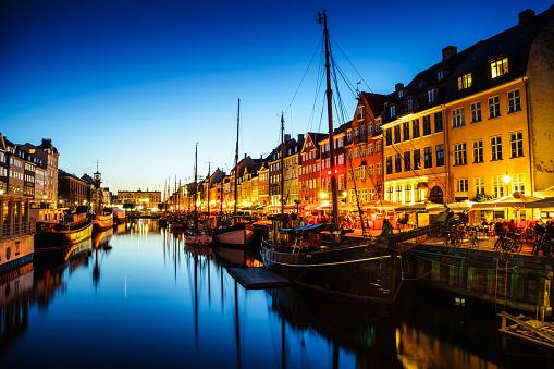 Danish Culture「Nyhavn harbor in Night, Copenhagen」:スマホ壁紙(16)