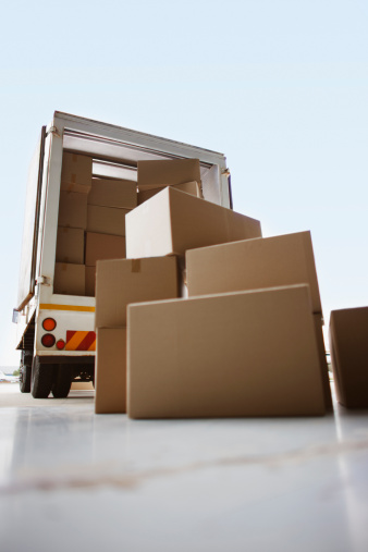 Unloading「Boxes waiting to be loaded onto truck」:スマホ壁紙(11)