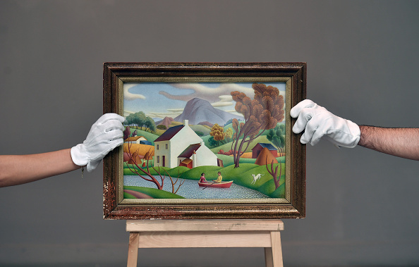 Auction「Sotheby's Pre-Sale Exhibition Of Irish Art At The Royal Hibernian Academy In Dublin」:写真・画像(16)[壁紙.com]