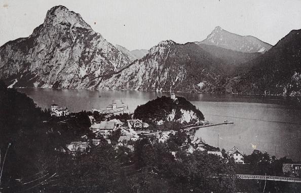 General View「Traunkirchen At Traunsee. General View. 1902. Photograph By Römmler & Jonas / Dresden. Photograph.」:写真・画像(6)[壁紙.com]