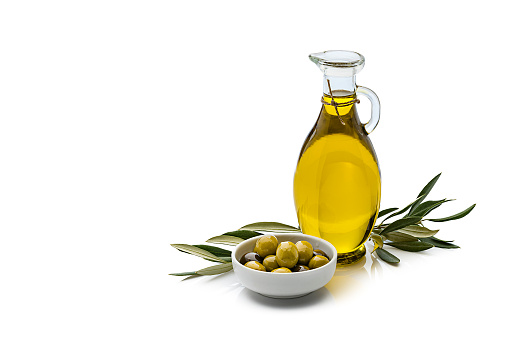 Branch - Plant Part「Olive oil and olives isolated on reflective white background」:スマホ壁紙(1)