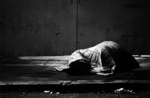 Homelessness「tramp sleeping rough on the street」:スマホ壁紙(13)
