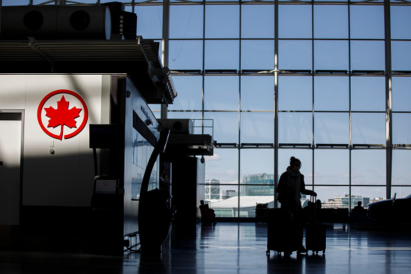 Canada「Air Canada Temporarily Lays Off 15,000 Employees As Coronavirus Takes Toll On Airline Industry」:写真・画像(4)[壁紙.com]