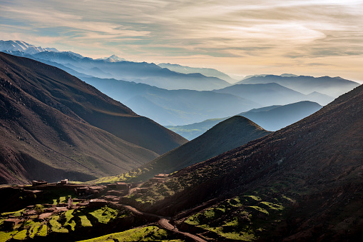アトラス山脈「ハイアトラス、谷、丘の霧、モロッコ、北アフリカ」:スマホ壁紙(10)