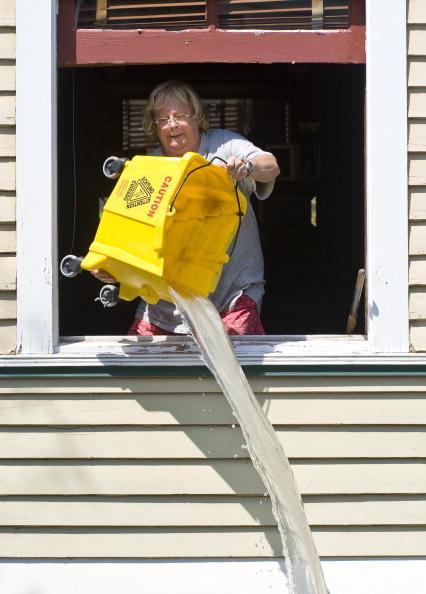 Hurricane Ike「Galveston Residents Allowed To Return Home After Hurricane Ike」:写真・画像(10)[壁紙.com]