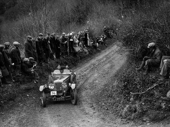 Curve「Blackburne-engined Frazer-Nash TT replica of J Tweedale competing in the MCC Lands End Trial, 1935」:写真・画像(12)[壁紙.com]
