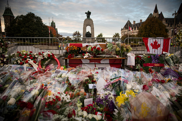 Nathan Cirillo「Ottawa On Alert After Shootings At Nation's Capitol」:写真・画像(8)[壁紙.com]