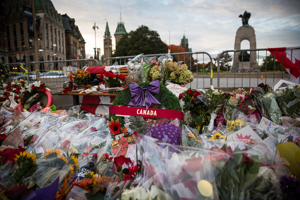 Nathan Cirillo「Ottawa On Alert After Shootings At Nation's Capitol」:写真・画像(9)[壁紙.com]