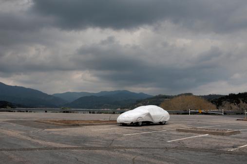 Parking Lot「Covered Car」:スマホ壁紙(1)