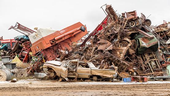 Moose Jaw「Scene in a prairie scrapyard」:スマホ壁紙(18)
