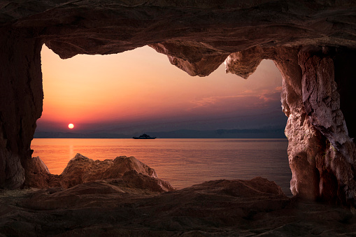 Cave「View of the sunset from the cave inside in Thasos, Greece」:スマホ壁紙(13)