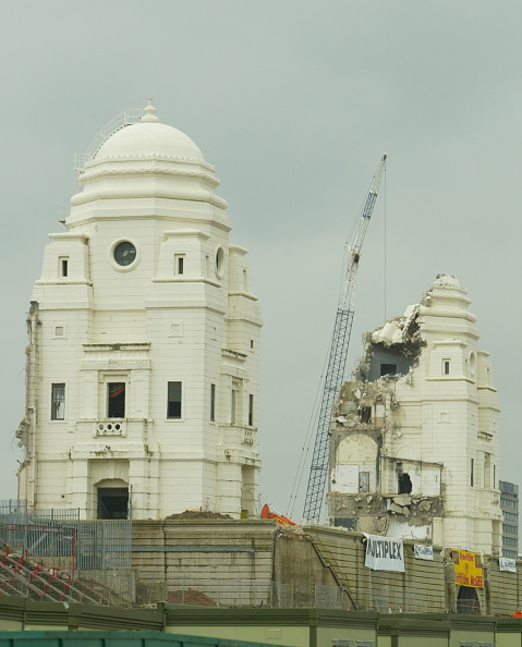 Peter Macdiarmid「Wembley Stadium Demolition」:写真・画像(19)[壁紙.com]