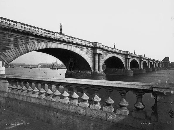 Arch - Architectural Feature「Waterloo Bridge」:写真・画像(18)[壁紙.com]