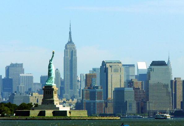 ニューヨーク市「Coast Guard Stages Anti-Terrorist Drills in New York Harbor」:写真・画像(13)[壁紙.com]