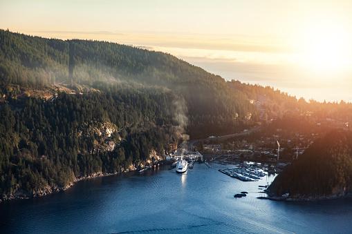 British Columbia「Horseshoe Bay ferry terminal aerial view」:スマホ壁紙(15)