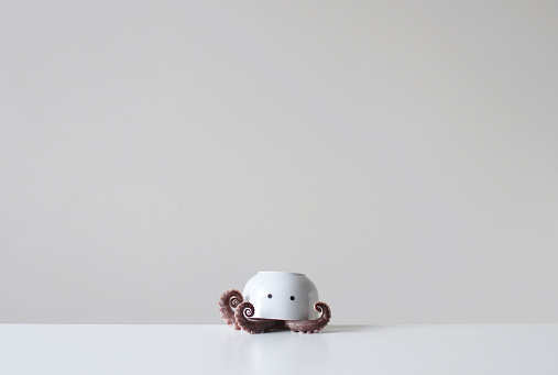 Surreal「Octopus tentacles under an upside down bowl with two eyes」:スマホ壁紙(15)