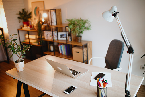 配置「ホームオフィス」:スマホ壁紙(6)