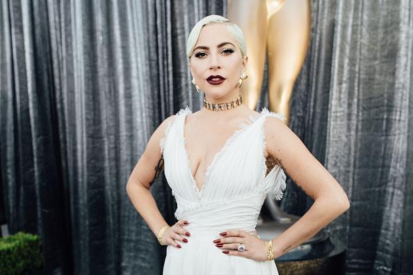 White Color「25th Annual Screen Actors Guild Awards - Red Carpet」:写真・画像(0)[壁紙.com]
