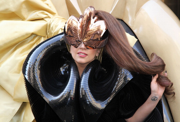 "Fame「Lady GaGa ""Fame"" Perfume Launch」:写真・画像(14)[壁紙.com]"