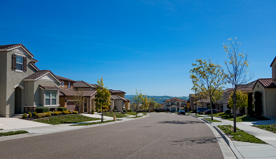 California「Suburban Homes and street」:スマホ壁紙(1)