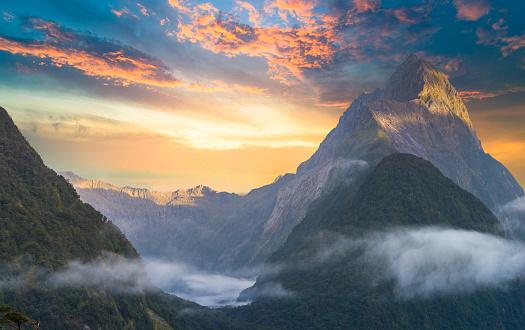 Fiordland National Park「The Milford Sound fiord. Fiordland national park, New Zealand」:スマホ壁紙(15)