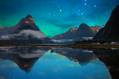 South Island New Zealand「The Milford Sound fiord. Fiordland national park, New Zealand」:スマホ壁紙(6)