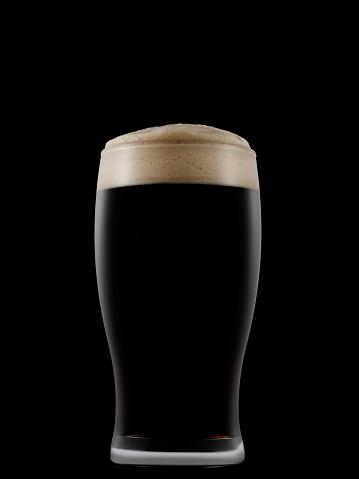 Tasting「Pint glass full of dark beer on a dark background」:スマホ壁紙(13)