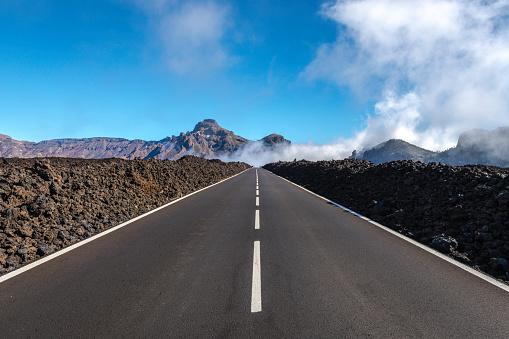 Volcano「Tenerife Car Road in El Teide National Park」:スマホ壁紙(7)