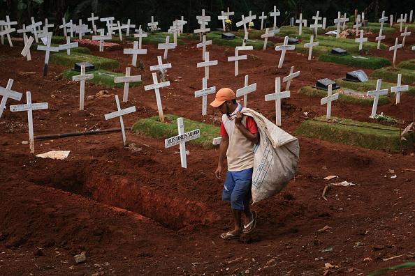 Death「Indonesia Imposes Partial Shutdown To Contain Spread Of The Coronavirus」:写真・画像(17)[壁紙.com]
