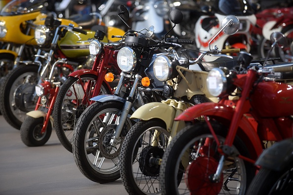 Motorcycle「Bonhams Press Preview Of Collector's Motorcycle, Motor Cars and Automobilia At Grand Palais」:写真・画像(3)[壁紙.com]
