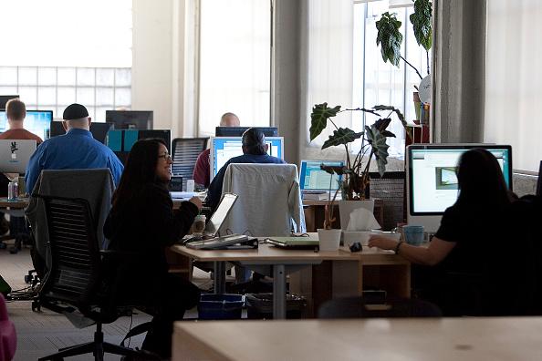 Headquarters「Twitter CEO Evan Williams Meets With Mayor Newsom At Company's Headquarters」:写真・画像(11)[壁紙.com]
