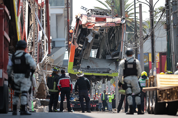 Mexico「Aftermath of Tragic Metro Overpass Collapse in Mexico City」:写真・画像(16)[壁紙.com]