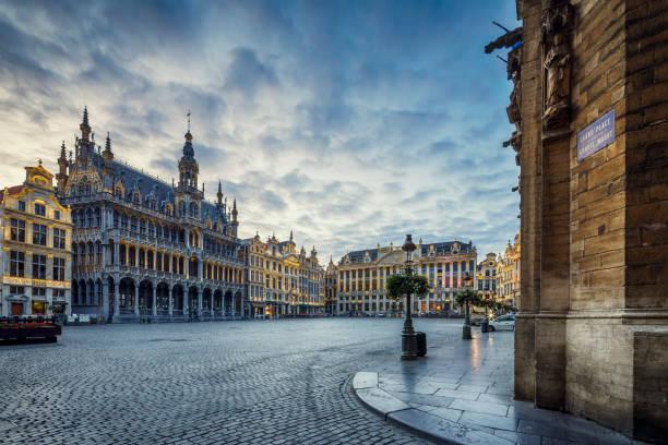 Grand Place Square in Brussels, Belgium:スマホ壁紙(壁紙.com)