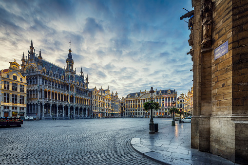 Townscape「Grand Place Square in Brussels, Belgium」:スマホ壁紙(1)