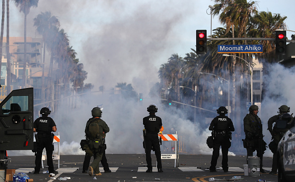 Santa Monica「National Guard Called In As Protests And Unrest Erupt Across Los Angeles Causing Widespread Damage」:写真・画像(0)[壁紙.com]