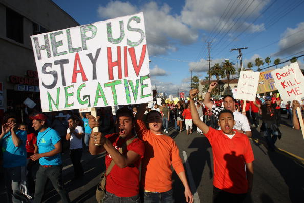 Crisis「AIDS Patients Protest Proposed State Cuts To AIDS Services Programs」:写真・画像(19)[壁紙.com]