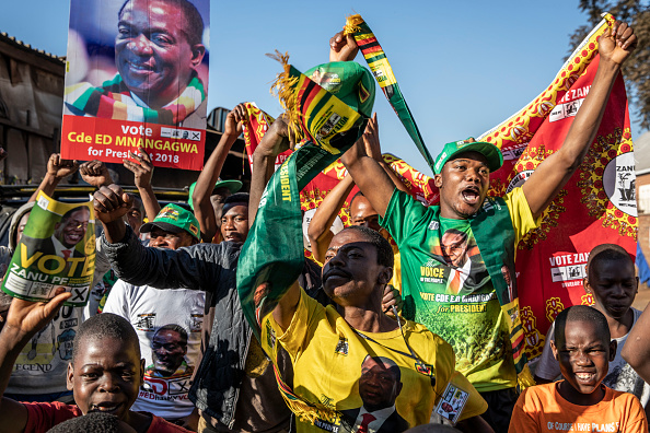 Zimbabwe「Zimbabwe Reacts After Emmerson Mnangagwa Declared Winner Of The Presidential Election」:写真・画像(13)[壁紙.com]