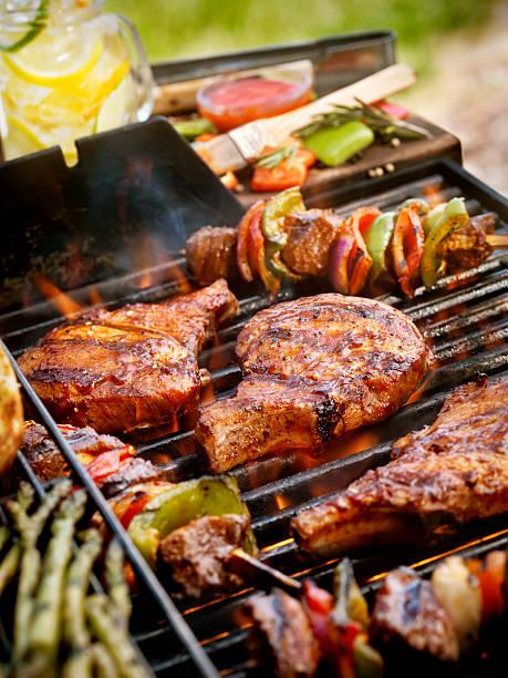 Pork Chops with Kabobs on the BBQ:スマホ壁紙(壁紙.com)