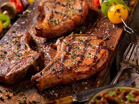 Meat Chop「BBQ Pork Chops With Vegetable Skewers」:スマホ壁紙(1)