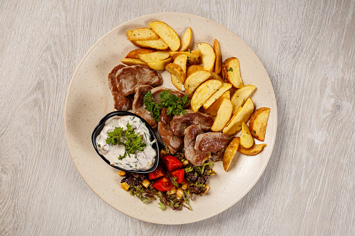 Barbecue Beef「Pork chops with roasted potatoes」:スマホ壁紙(18)