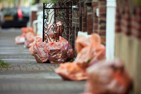 Collection「Debate Hots Up Over Bi-Weekly Refuse Collection Proposals」:写真・画像(8)[壁紙.com]