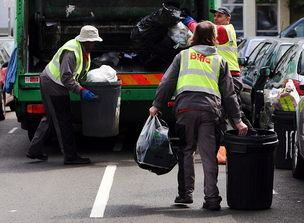 Collection「Debate Hots Up Over Bi-Weekly Refuse Collection Proposals」:写真・画像(1)[壁紙.com]