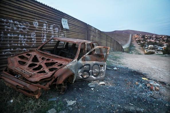 Baja California Norte「President Trump's Proposed Border Wall Prototypes Sit Along Mexico / U.S. Border」:写真・画像(17)[壁紙.com]