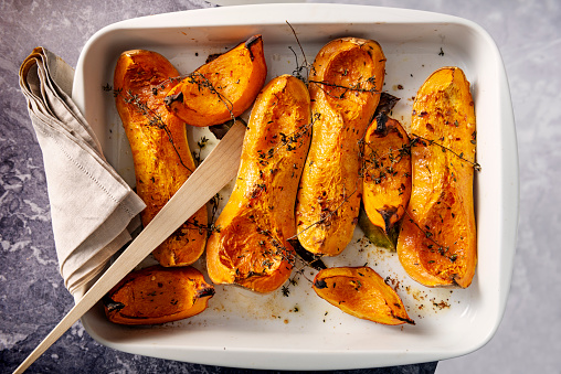 Recipe「Dish of baked Butternut squashes ready to eat.」:スマホ壁紙(3)