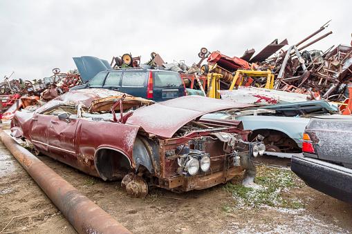 Moose Jaw「Vehicles at a municipal salvage yard」:スマホ壁紙(17)