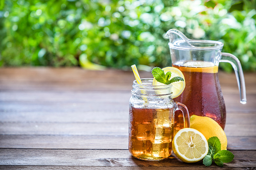 Part of a Series「Lemon ice tea」:スマホ壁紙(18)