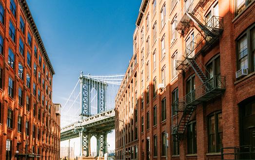 Long「Famous Dumbo view of the Manhattan Bridge in New York City」:スマホ壁紙(19)