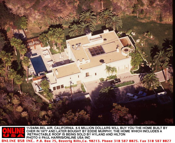 Eddie House「11/24/96.Bel Air, California. 6.5 million dollars will buy you the house that Cher built in 1977. Th」:写真・画像(16)[壁紙.com]