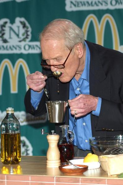 Salad「Actor Paul Newman Appears At McDonalds Salad Launch」:写真・画像(9)[壁紙.com]